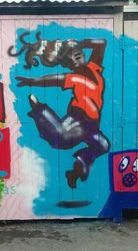 laneway-woman-jumping