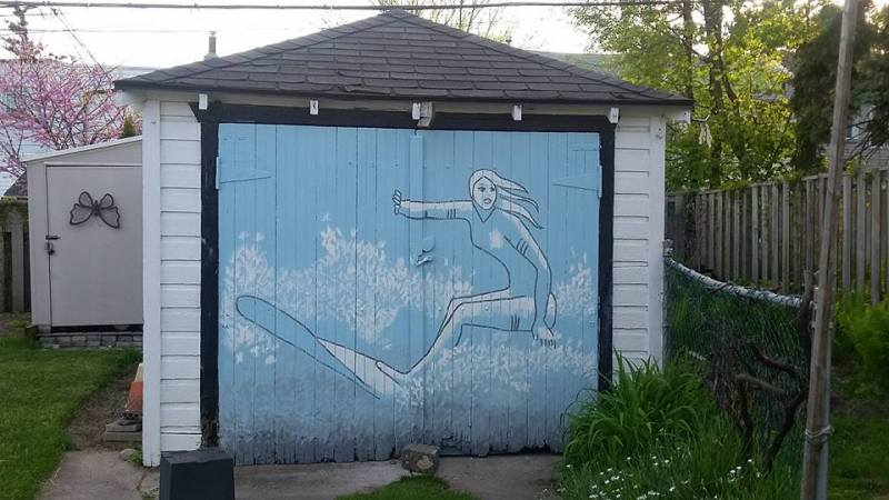 mural-surfer-in-blue